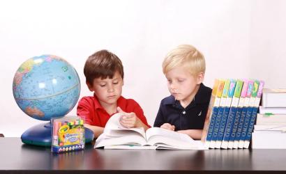 Schoolartikelen-kinderen-naar-School